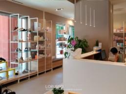 realizzazione arredo negozio ortopedia parafarmacia